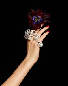 Lisette Gets Clad in Flowers and Gems for Madame Figaro by Gyslain Yarhi Diamond Flower, Pearl Diamond, Pearl Ring, Pearl Jewelry, Jewelry Box, Jewelery, Fine Jewelry, Gemstone Jewelry, Jewelry Editorial