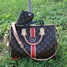Order for replica handbag and replica Louis Vuitton shoes of most luxurious designers. Sellers of replica Louis Vuitton belts, replica Louis Vuitton bags, Store for replica Louis Vuitton hats. Lv Handbags, Louis Vuitton Handbags, Louis Vuitton Speedy Bag, Louis Vuitton Monogram, Pattern, Designer Bags, Stuff To Buy, Hand Bags, Women
