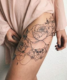 Beautiful Realistic Rose Chandelier Thigh Tattoo Ideas for Women &; Beautiful Realistic Rose Chandelier Thigh Tattoo Ideas for Women &; Katha N kathaschatz beautiful tattoos Beautiful Realistic Rose […] tattoo color Black And White Rose Tattoo, White Rose Tattoos, Tattoo Black, Tattoo White Ink, Vintage Rose Tattoos, Vintage Flower Tattoo, Tattoo Outline, Rosen Tattoo Frau, Rosen Tattoos