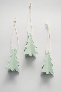 Weihnachtsbäume aus Keramik