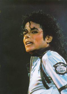 Vicky on the dance floor Janet Jackson, Michael Jackson Bad Tour, Michael Jackson Photoshoot, Beautiful Person, Beautiful Soul, Mj Bad, Michael Jackson Wallpaper, Guinness World, Oprah