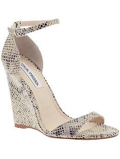 30 is Flirty! Especially in these Steve Madden Realdeal Snakeskin print wedges - meow! Dream Shoes, Crazy Shoes, Me Too Shoes, Wedge Sandals, Wedge Shoes, Shoes Heels, Strap Sandals, Look Fashion, Fashion Shoes