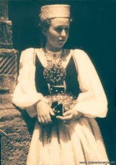Hermannstadt um 1800 Merry Widow, Homeland, Traditional Dresses, Family History, Genealogy, German, Feminine, Hipster, Culture