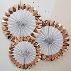 White Rose Gold Paper Fan Decorations - Hen Party Accessories - Parties & More - Pack of 3 White and rose gold party accessories, check out the full range. Décoration Rose Gold, Rose Gold Paper, Gold Foil Paper, Rose Gold Foil, Gold Gold, White Paper, Paper Fan Decorations, Hens Night Decorations, Gold Party Decorations