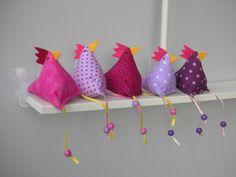 Osterdeko - 5 Hühner Huhn - ein Designerstück von Firlefanz-Design-Ulrike bei DaWanda