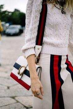 Veronika Heilbrunner con una bolsa de Gucci   Galería de fotos 39 de 63   VOGUE