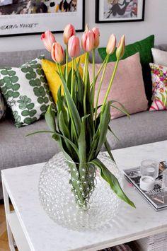 Home of debbie. Vaser, Josef Frank, Swedish Style, Scandinavian, Glass Vase, Designers, Indoor, Table Decorations, Interior Design