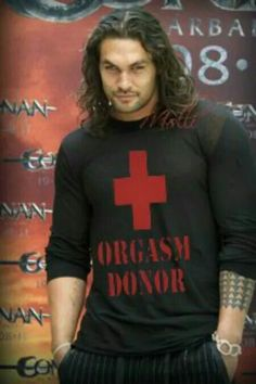 Jason Momoa-that shirt though! Hello Gorgeous, Gorgeous Men, Beautiful People, Jason Momoa Aquaman, Lisa Bonet, Raining Men, Bearded Men, Movie Stars, Memes