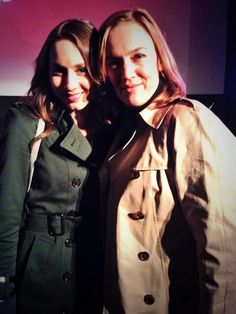 Troian Bellisario (Spencer Hastings) & Lesley Fera (Veronica Hastings) - Pretty Little Liars
