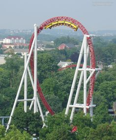 Storm Runner at Hersheypark, Pennsylvania races through the giant cobra roll - Roller coasters - Roller Coaster Park, Crazy Roller Coaster, Best Roller Coasters, Fair Rides, Hershey Park, Amusement Park Rides, Vacation Spots, Fun Activities, Hershey Pennsylvania