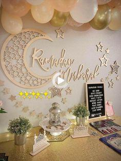Eid Crafts, Ramadan Crafts, Decoraciones Ramadan, Ramadan Activities, Eid Party, Islamic Decor, Ramadan Mubarak, Wall Signs, Place Card Holders