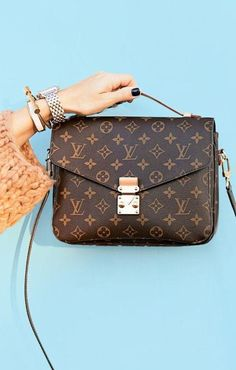 65d46b750fa3 Classy Leather Crossbody Purse with Metal Clasp Louis Vuitton Bags