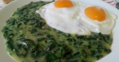 Spanac cu sos alb Baking Classes, Romanian Food, Vegetable Recipes, Food Art, Spinach, Food And Drink, Eggs, Vegetables, Cooking