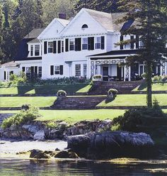 Lake house - yes please