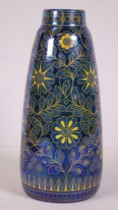 Zsolnay  PECS Eosin Vase 1908- VERY RARE HUNGARY Hull Pottery, Pottery Art, Art Nouveau, Art Deco, China Dinnerware, Luster, Hungary, Stoneware, Flower Arrangements