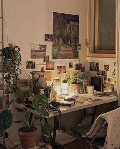 Room Design Bedroom, Room Ideas Bedroom, Bedroom Inspo, Bedroom Decor, Indie Room, Indie Living Room, Cute Room Decor, Study Room Decor, Pretty Room
