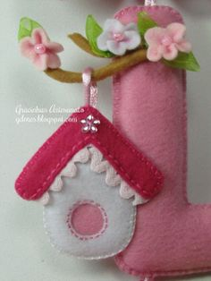 felt letters so cute Fabric Crafts, Sewing Crafts, Felt House, Felt Letters, Felt Baby, Felt Birds, Felt Decorations, Felt Fabric, Handmade Felt