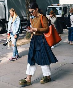 Photo by Phil Oh #streetstyle #streetfashion