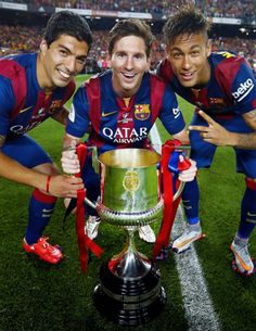 eo Messi, Neymar Jr and Luis Suárez are top 3 players, according to l'Equipe Leo Messi, Neymar Jr i Luis Suárez, els millors futbolistes Barcelona E Real Madrid, Lionel Messi Barcelona, Barcelona Soccer, Barcelona Spain, Messi And Neymar, Messi Soccer, Messi 10, World Football, Barcelona