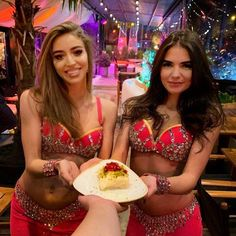 Turkish delight in a plate because @divanbucharest is divine! #followyourtaste to try the Güllaç accompanied by a bellydance show by @phoenix_bellydance and enjoy the turkish atmosphere. #discoveryourtaste #eatlovetaste #followyourtaste #divanbucharest #bellydance #dessert #turkishdessert #turkey #romania