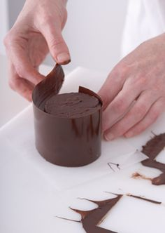 Tempering chocolate for a professional finish | using acetate