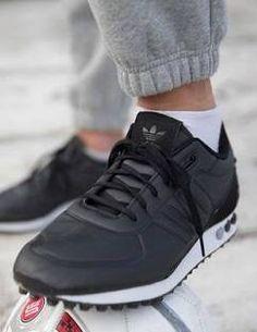 adidas Originals LA Trainer: Black