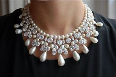 I am speechless at the beauty of this Harry Winston Pearls and Diamond Necklace. High Jewelry, Modern Jewelry, Luxury Jewelry, Pearl Jewelry, Bridal Jewelry, Bridesmaid Jewelry, Jewelry Sets, Unique Jewelry, Pearl And Diamond Necklace