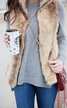winter outfits jeans this beige fur vest is so cut - winteroutfits Komplette Outfits, Fall Outfits, Casual Outfits, Fur Vest Outfits, Vest Outfits For Women, Style Blog, Style Me, Cute Winter Outfits, Winter Clothes