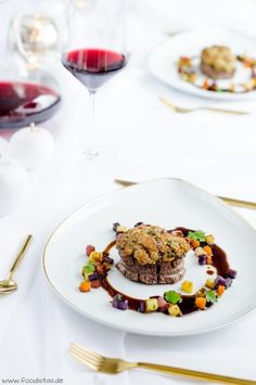 Beef Fillet With Chestnut Crust Beef Fillet With Chestnut Crust Chestnut Crust Fillet Entree Halloween, Halloween Appetizers For Adults, Best Holiday Appetizers, Appetizers For Kids, Halloween Food For Party, Holiday Desserts, Appetizer Recipes, Holiday Recipes, Party Appetizers