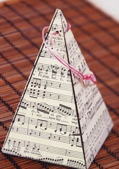 Pyramid Gift Box -DIY