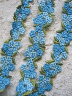 VINTAGE AMERICAN SCHIFFILI AQUA BLUE FLOWER APPLIQUE TRIM 4 YARDS