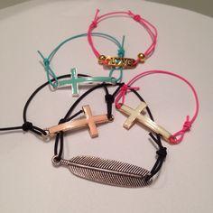 Elastische armbandjes. €3,00 per stuk