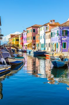 These Mesmerising Photos Prove That Burano Is Italy's Best Kept Secret|Pinterest: @theculturetrip