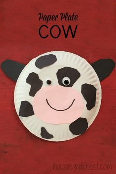 Paper Plate Cow - Simple farm animal crafts for preschoolers! #kidscrafts #preschool #efl (repinned by Super Simple Songs)