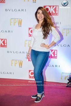 Pakistani Girl, Pakistani Actress, Bollywood Actress, Hareem Farooq, Beauty Makeover, Hollywood Photo, Sexy Jeans, Jean Shirts, Hollywood Celebrities