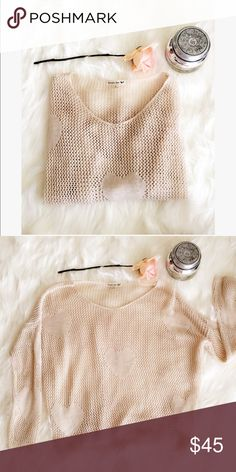 PRICE IS FIRM: LF crotchet sweater 🌸 Super cute crochet sweater from LF. The detailing has hearts! Perfect for the comfy chic look. No signs of wear 🌸 LF Sweaters Crew & Scoop Necks