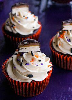 Halloween Candy Cupcakes
