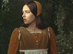 Juliet in casual daywear, check out that saucy cap. {Olivia Hussey, Romeo and Juliet 1968}