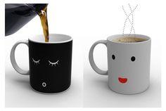 ねむーい朝。一杯のコーヒーや紅茶ですっきり目を覚ましたいですよね。「Morning Mug」という名のこちらのプロダクト、温度に...