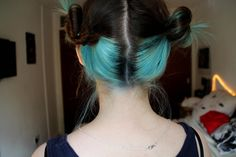 I dyed the lower half of my hair light blue :3 : FancyFollicles