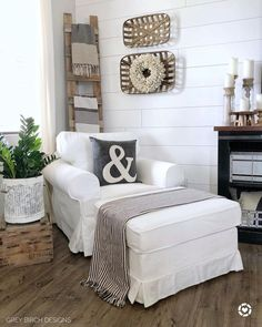 Can I just sit here all day? Oh wait never mind I have kids. Screenshot this pic to get shoppable product details with the… Small Sitting Rooms, Bedroom With Sitting Area, Farmhouse Master Bedroom, Farmhouse Interior, Farmhouse Office, Modern Farmhouse, Farmhouse Style, Farmhouse Decor, Home Living Room