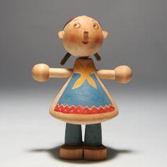 Kaj Frank | wooden doll - Finland, 1945 ✭ mid century modern design toy Antique Toys, Vintage Toys, Scandinavian Toys, Retro Room, Wood Turning Projects, Wooden Animals, Kokeshi Dolls, Doll Maker, Wooden Dolls