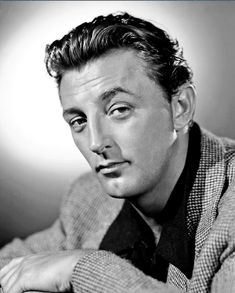 Robert Mitchum - Robert Charles Durman Mitchum was an American film actor, author, composer and singer. He is on the American Film Institute's list of the greatest male American screen legends of all time. Hollywood Men, Golden Age Of Hollywood, Hollywood Stars, Classic Hollywood, Hollywood Icons, Male Movie Stars, Classic Movie Stars, Classic Films, Real Movies