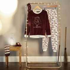 Our latest Harry Potter collection *may* be the best yet! Pijamas Harry Potter, Harry Potter Pyjamas, Harry Potter Shirts, Harry Potter Outfits, Estilo Harry Potter, Cute Harry Potter, Theme Harry Potter, Amelie, Sporty Outfits