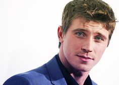garrett hedlund...just saw Country Strong...whooo, hot!