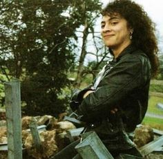 "imcreepingdeath99:  "" Just in case you forgot how absolutely adorable Kirk Hammett is  """