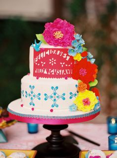 Mexican Inspired Wedding Cake - I just love the colors love the bright colors Mexican Fiesta Cake, Mexican Party, Mexican Style, Beautiful Cakes, Amazing Cakes, 35th Wedding Anniversary, Cake Creations, Cake Art, Themed Cakes