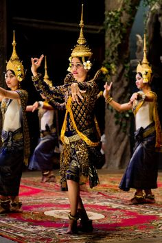 Traditional dancing, Siem Riep, Cambodia