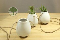 Set of 2 mini ceramic hanging pot/egg shape white by NewDreamWorld