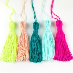 Is it tassel or tassle? Tassel looks funny in my eyeballs but apparently  it's the correct way to spell out these gorgeous things and I'm having a  tassel moment right now, can't get enough of them. I've got tassels coming  straight outta everywhere yo!  I wanted a tassel garland for a workshop event and I was searching  everywhere (well, Etsy) for a colour palette that made me happy but was  getting nowhere fast (and lawd do I ever have to do everything at 100mph).  Then I realised I…